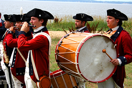 Colonial Era fife and drums for atmosphere